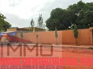 cloture-une-belle-villa-en-vente-a-ouagadougou-quartier-gounghin-sur-immo-burkina