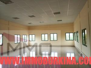 un-immeuble-r2-en-location-a-ouagadougou-quartier-wemtenga-sise-face-au-boulevard-charles-de-gaulle-3