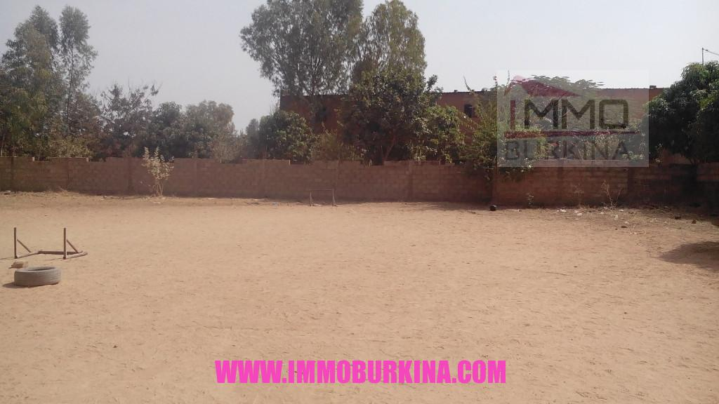 Une parcelle de 2472 m2 en vente dassasgho sur immo burkina for Une are en m2